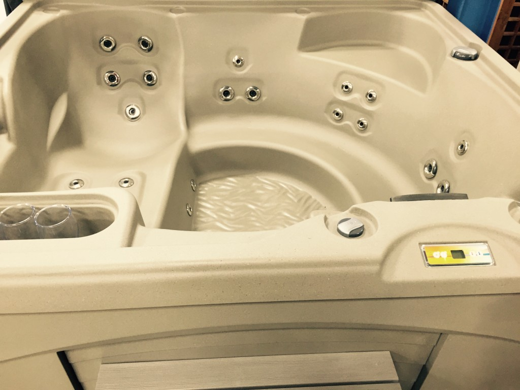 Swim Spa For Sale >> Entice - Fantasy Spas - Used Hot tubs Canada